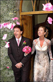 Paul McCartney Marries Heather Mills